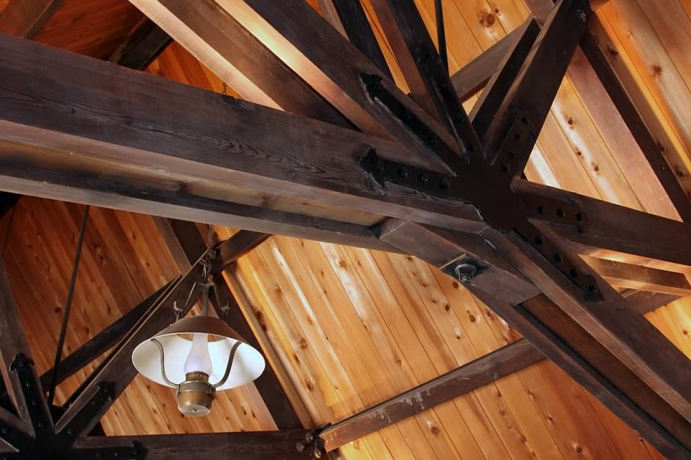 Schilling-lodge-txc-lake-tahoe-rubicon-paradise-flat-interior-main-room-ceiling-trusses-lantern.jpeg
