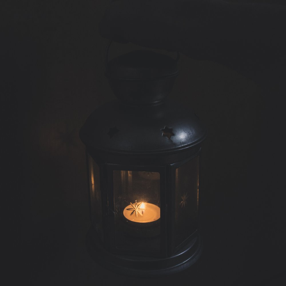black-background-burnt-candle-750406.jpg