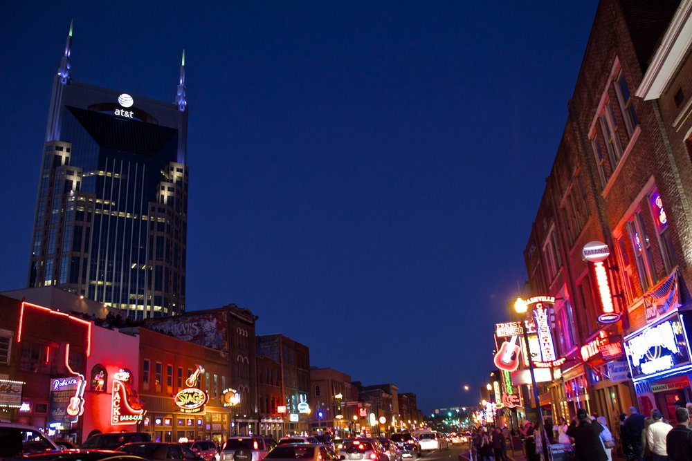 downtown nashville broadway 3.jpg