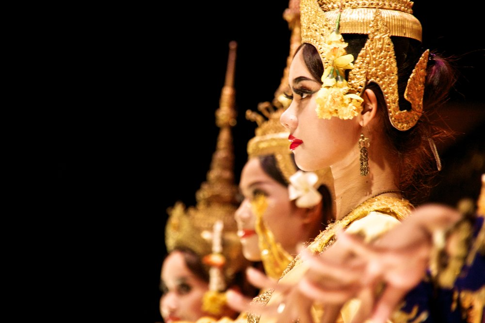traditional cambodian dancing siem reap 1.jpg