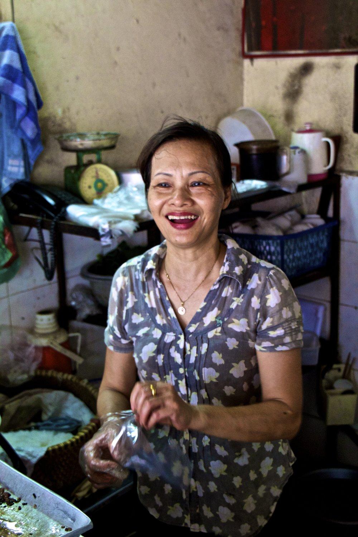 vietnam hanoi ba dinh people bun cha.jpg