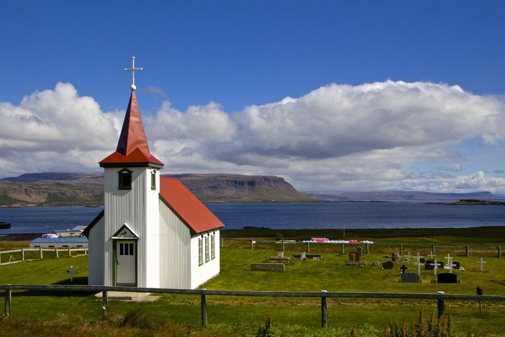 Brjánslækjarkirkja West Fjords 1.jpg
