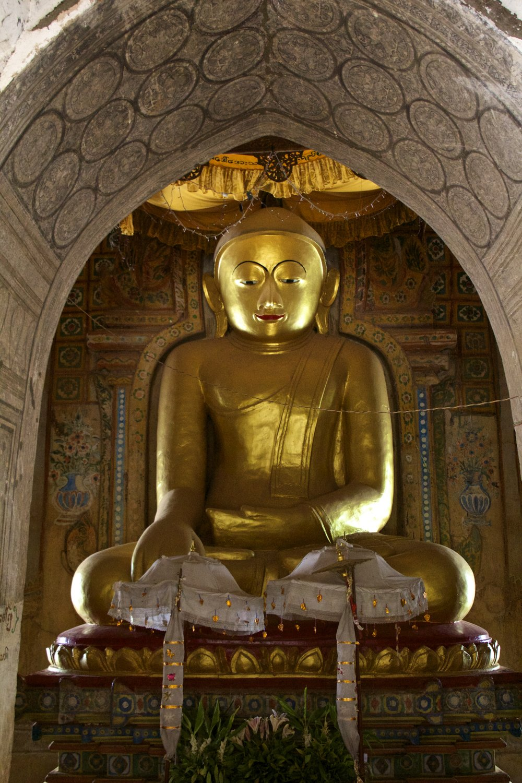 bagan burma myanmar buddhist temples 17.jpg