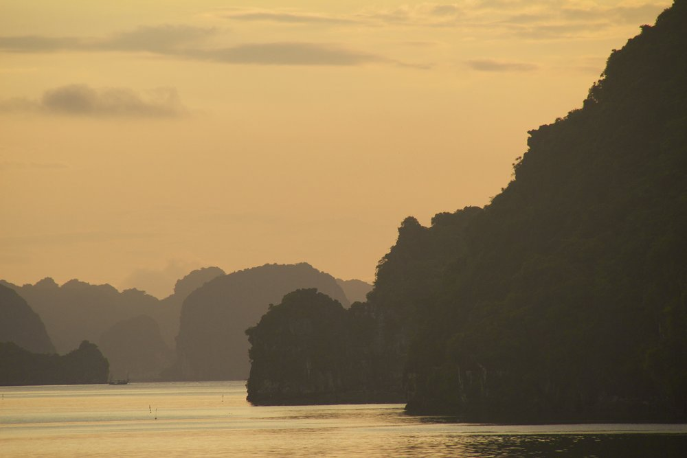Ha Long Bay Vietnam 10.jpg