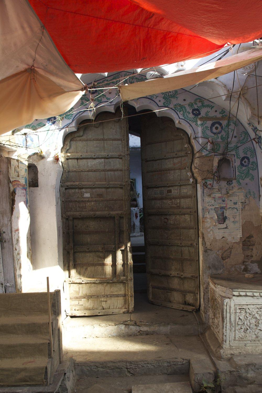 pushkar rajasthan ghats street photography 13.jpg