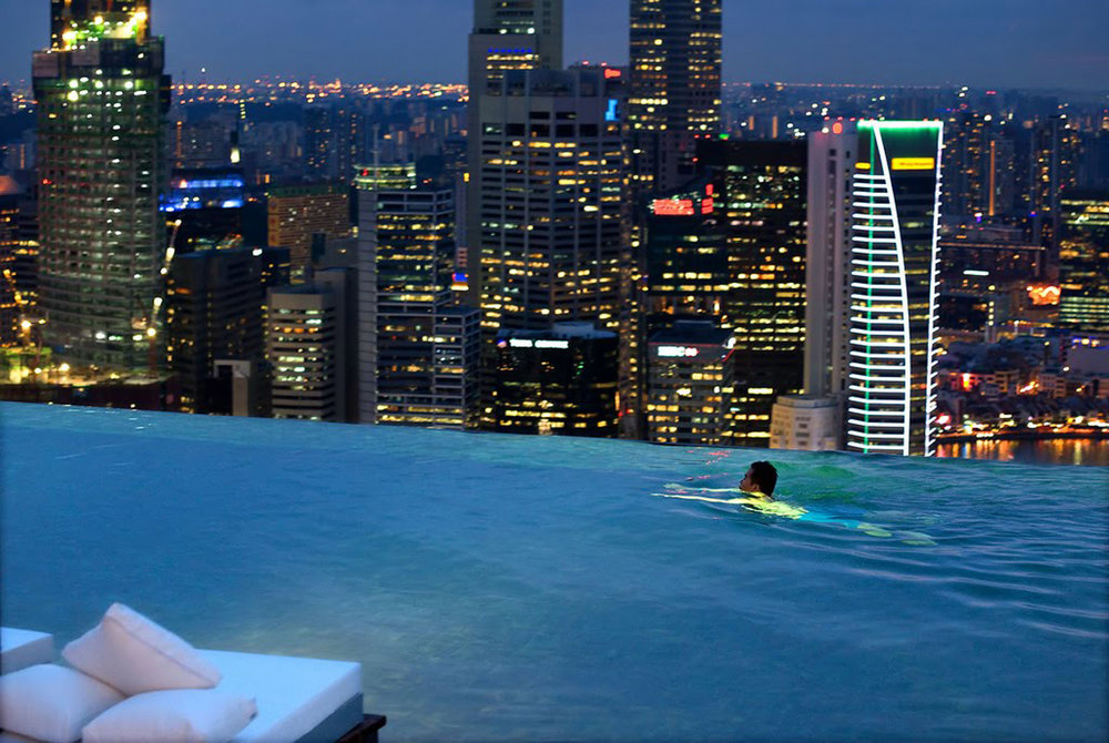 natural-view-of-infinity-pool-at-marina-bay-sands-skypark-singapore-hotels-with-infinity-pools.jpg