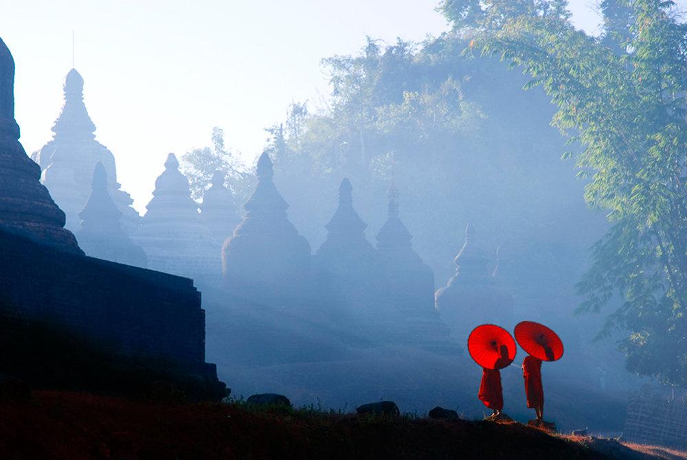 travel-monks.jpg