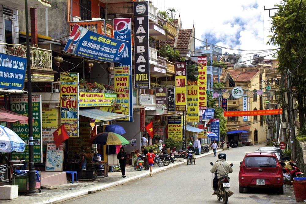 sa pa lao cai vietnam town 3.jpg