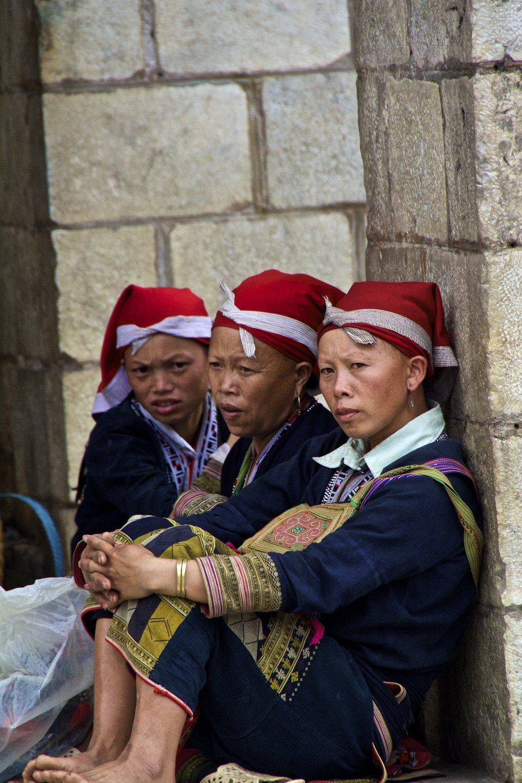 sa pa hmong girls vietnam 2.jpg