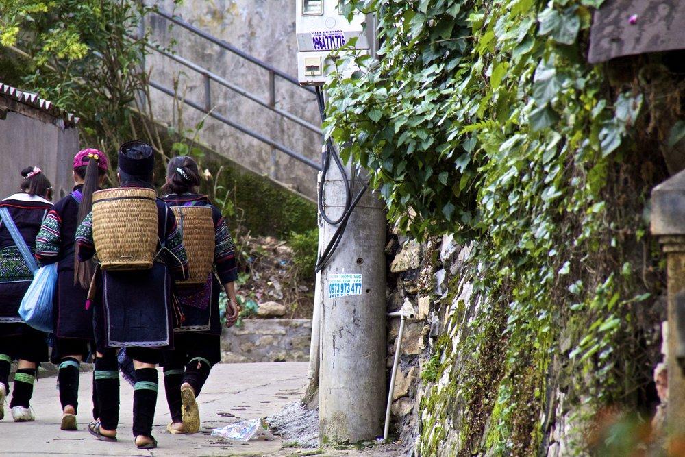 sa pa hmong women vietnam 12.jpg