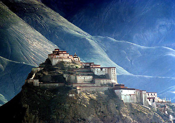 Credit: http://indiatravelz.com/spiti-valley-india/