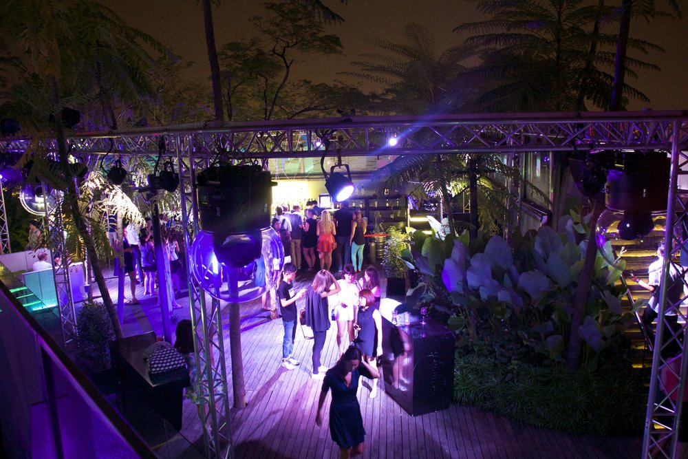 1 Altitude Rooftop Open Air Bar Singapore Nightlife 11.jpg