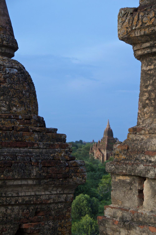 bagan burma myanmar temples sunset 3.jpg