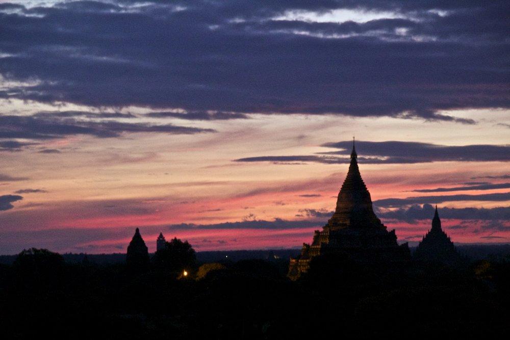 bagan burma myanmar temples sunrise 2.jpg