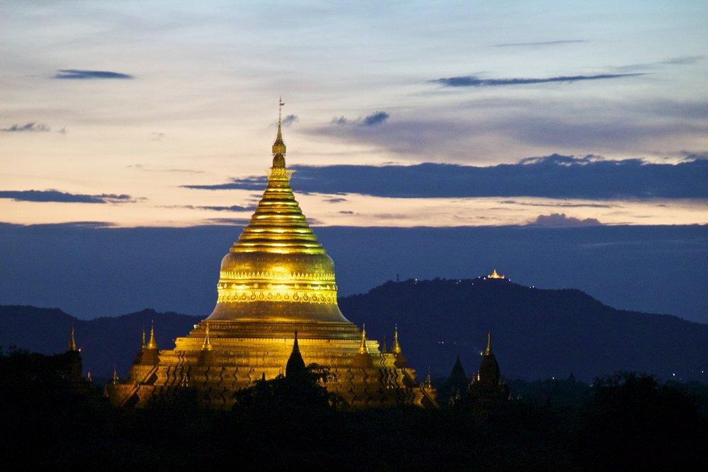bagan burma myanmar temples sunset 13.jpg