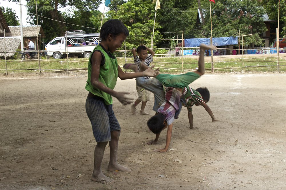 bagan burma myanmar burmese children soccer football 6.jpg