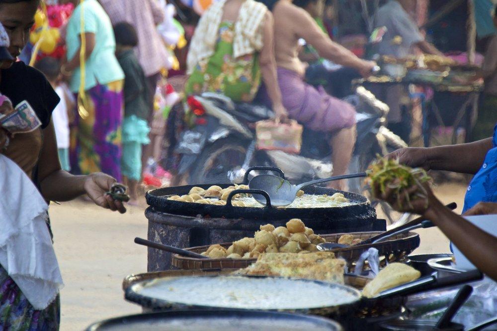 bagan burma myanmar festival 9.jpg