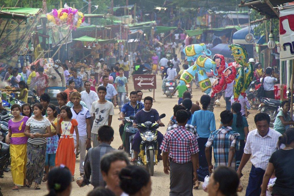 bagan burma myanmar festival 10.jpg