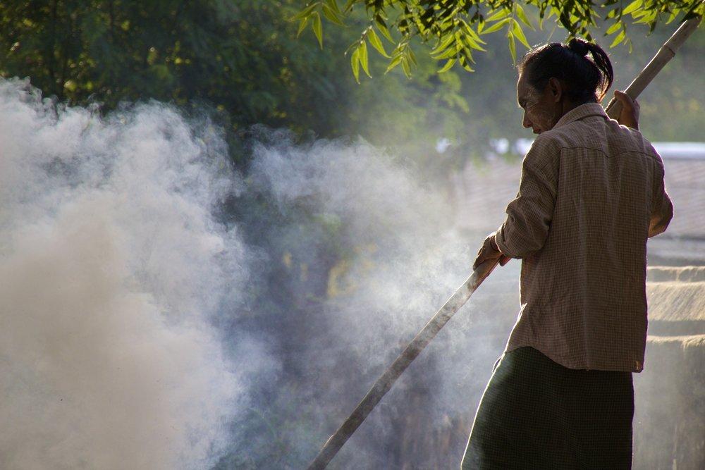bagan burma myanmar burmese people 1.jpg