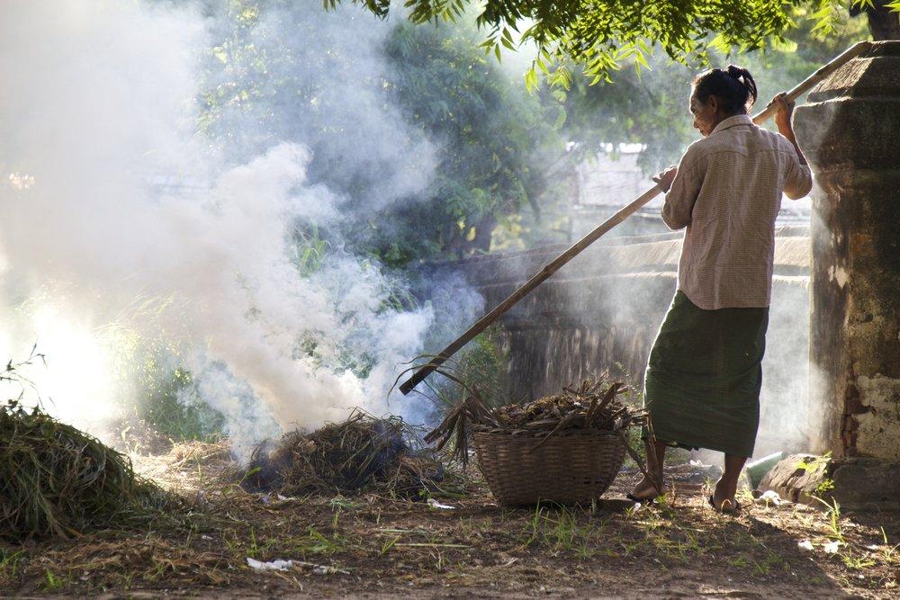 bagan burma myanmar burmese people 3.jpg