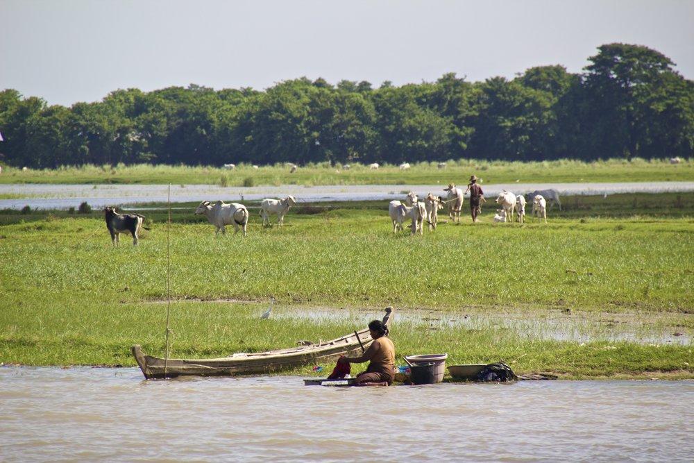 Irrawaddy River Mandalay Mingun Burma Myanmar 6.jpg