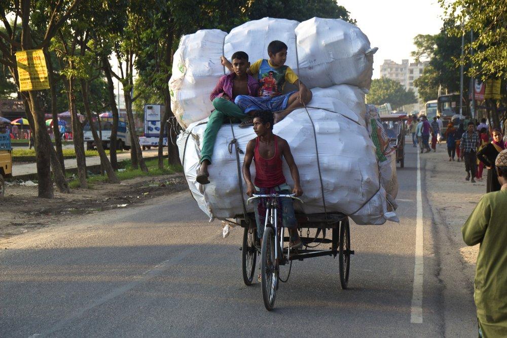 rayer bazar dhaka bangladesh roads 4.jpg