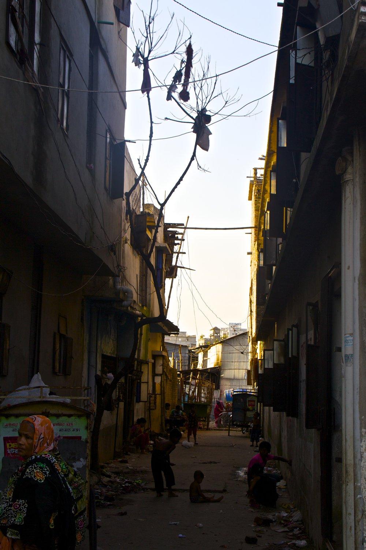 dhaka bangladesh slums photography 3.jpg