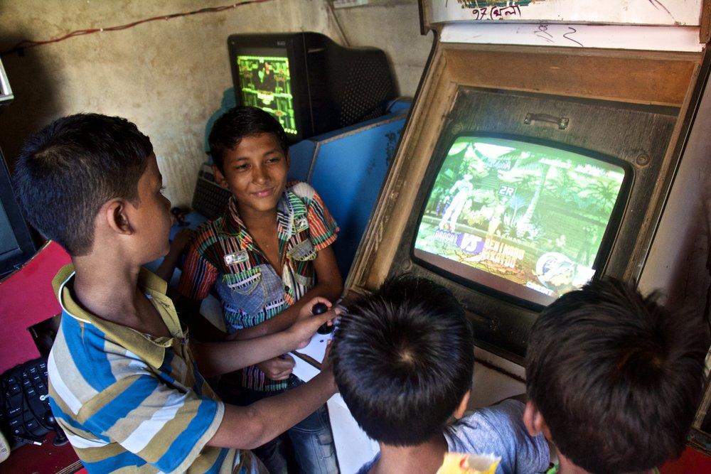rayer bazar dhaka children playing 1.jpg