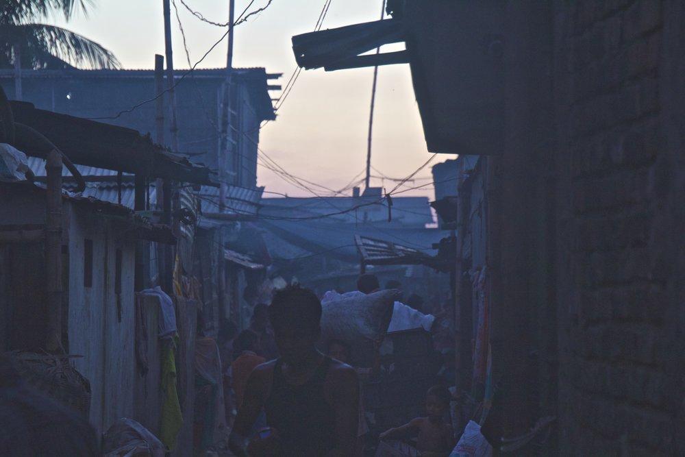 rayer bazar dhaka slums sunset 6.jpg