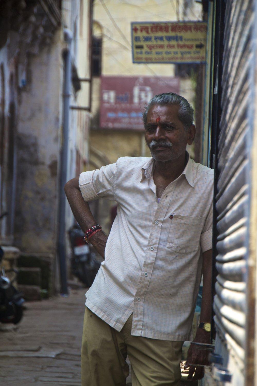varanasi india street photography 8.jpg