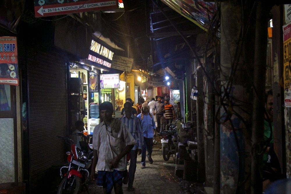 varanasi india street photography 33.jpg