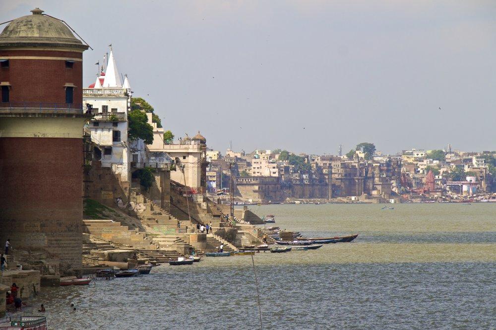 varanasi ghats 1.jpg