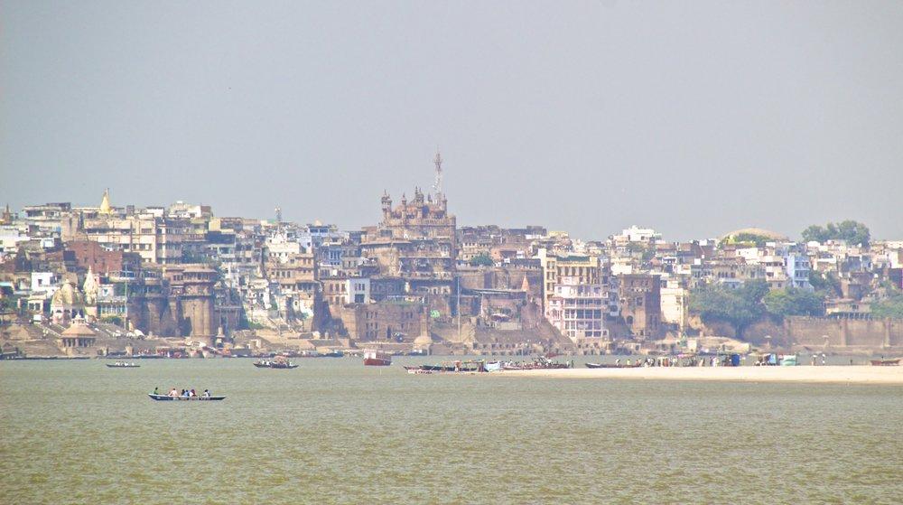 varanasi ghats 2.jpg