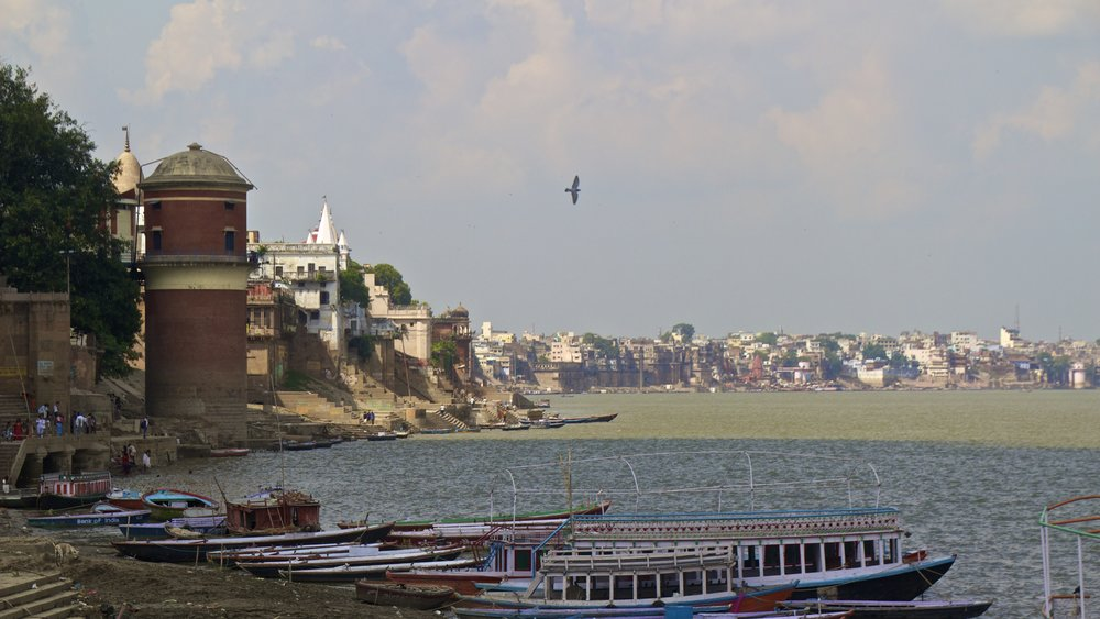varanasi ghats 3.jpg