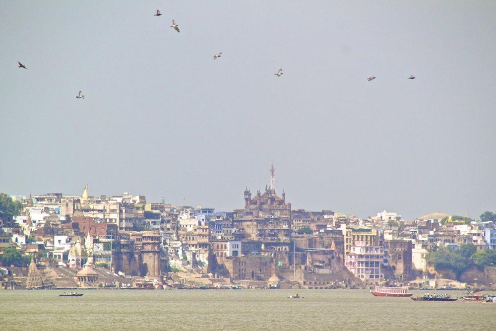 varanasi ghats 4.jpg