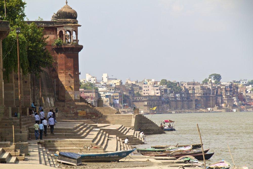 varanasi ghats 7.jpg