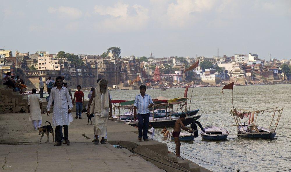 varanasi ghats 9.jpg