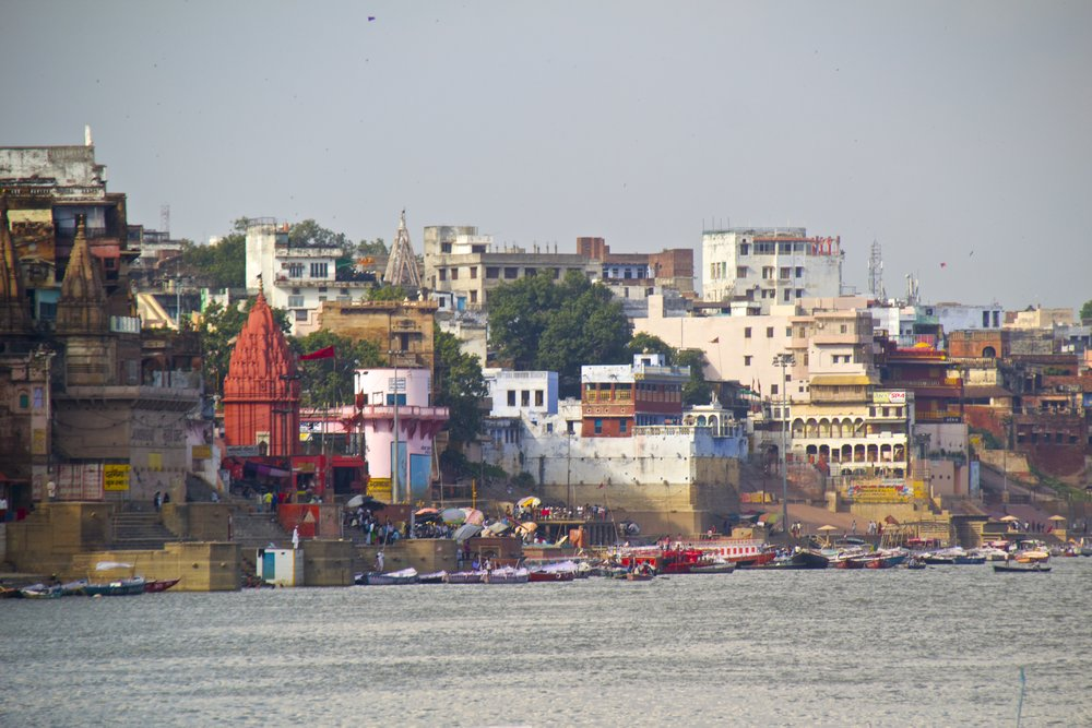 varanasi ghats 14.jpg