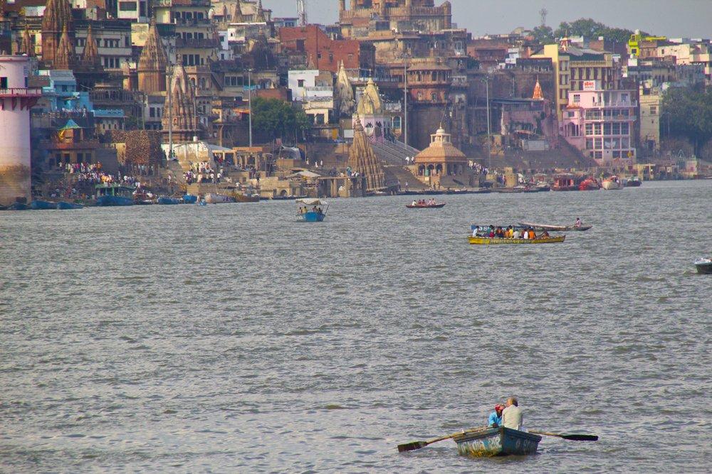 varanasi ghats 15.jpg