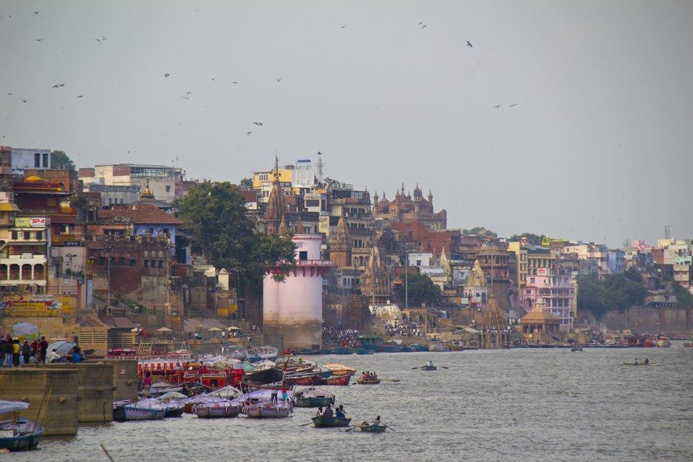 varanasi ghats 17.jpg