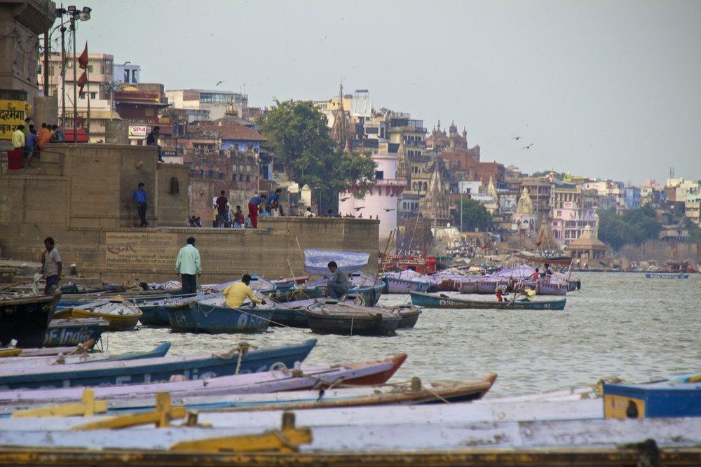 varanasi ghats 18.jpg
