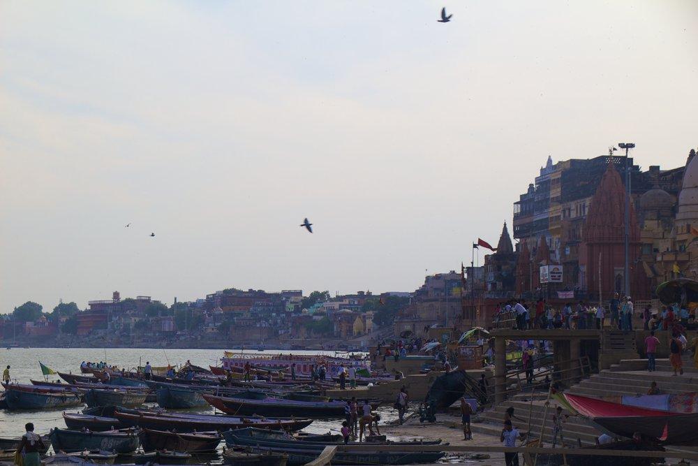 varanasi ghats 23.jpg