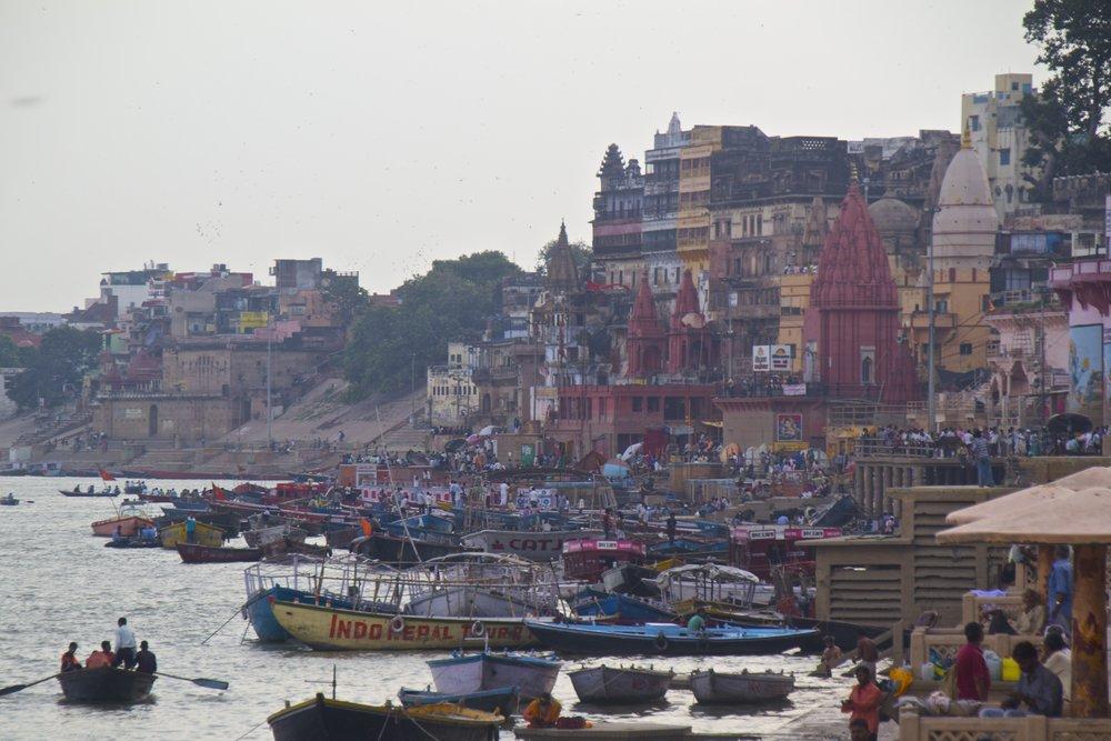 varanasi ghats 24.jpg