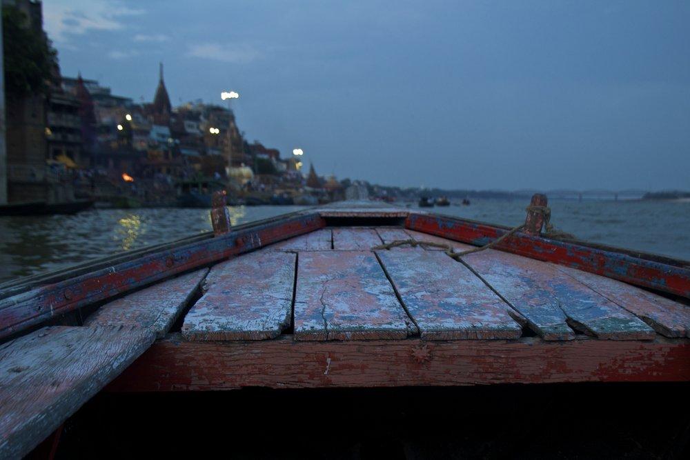 varanasi ghats sunset 3.jpg