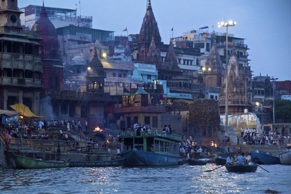 varanasi ghats sunset 4.jpg
