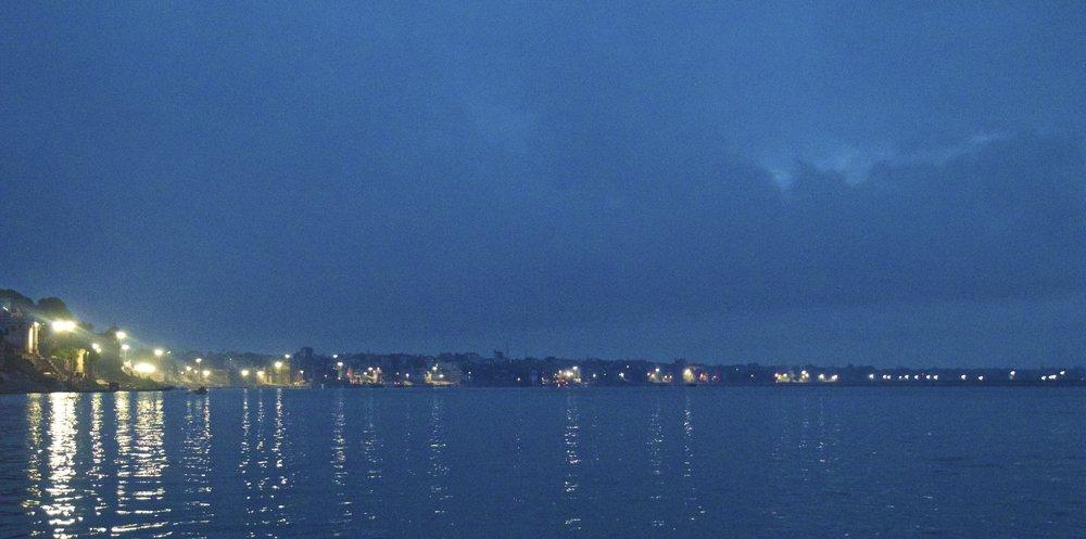 varanasi ghats sunrise 1.jpg
