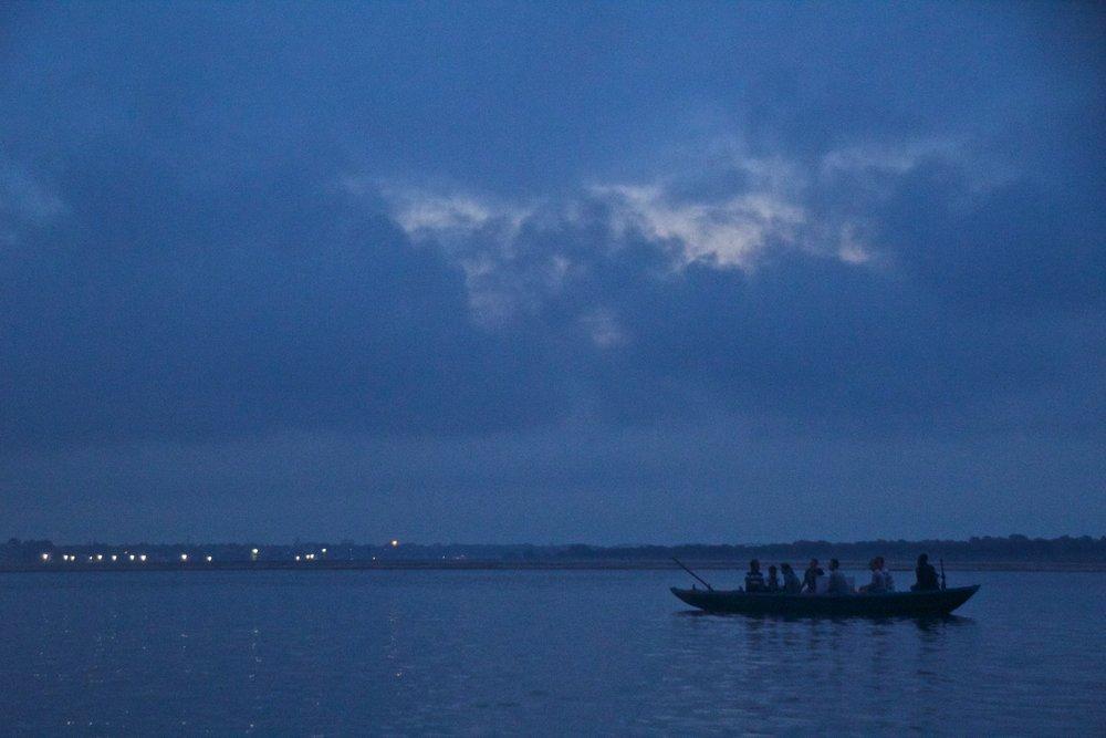 varanasi ghats sunrise 3.jpg