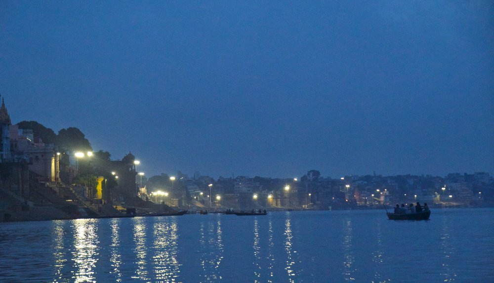 varanasi ghats sunrise 4.jpg