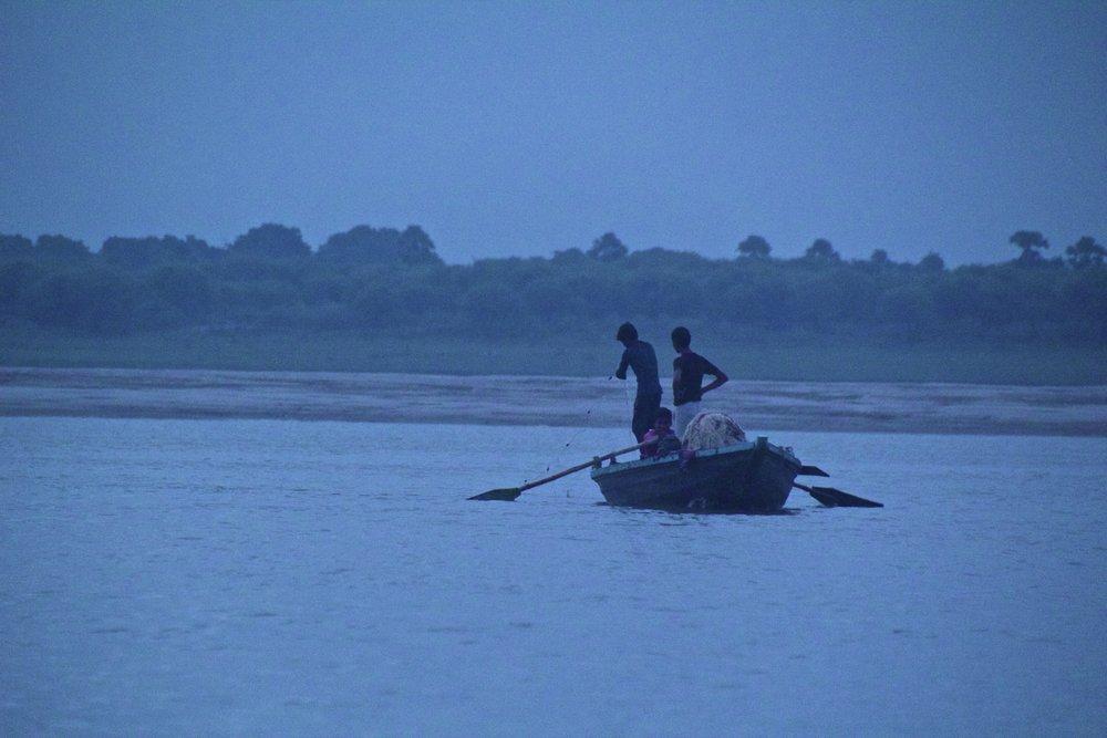varanasi ghats sunrise 6.jpg