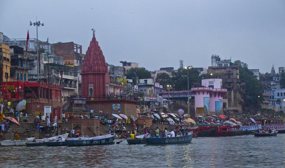 varanasi ghats sunrise 8.jpg